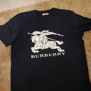 Burberry V neck Tshirt